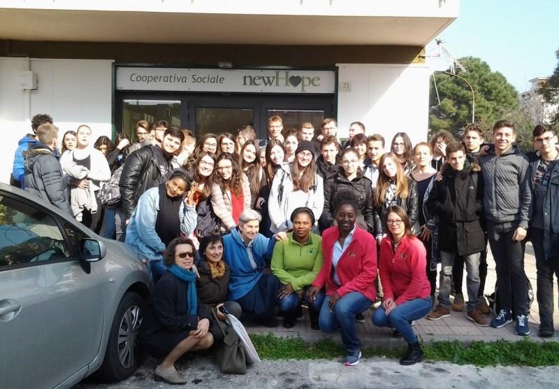 """Febbraio 2017 Gruppo  Erasmus + O.M.M.E. (Opportunities of migration to multicultural Europe), promosso dall'Istituto Statale d'Istruzione Secondaria Superiore """"E. Amaldi – C. Nevio"""" di S. Maria Capua Vetere"""