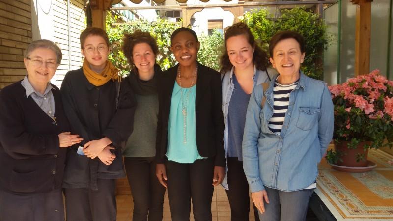 Aprile 2017 La docente Sabine Chardonnet con tre studentesse della scuola di Architettura di Parigi