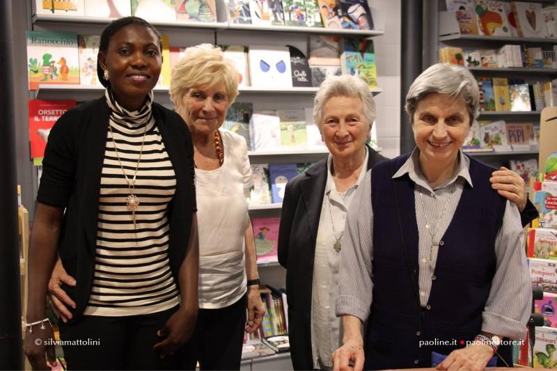 Da sx: Blessing Okoedion, autrice e protagonista del libro, Mariapia bonanate, scrittrice e giornalista, sr Beatrice Salvioni
