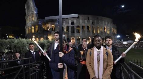 ROMA - Via Crucis al Colosseo